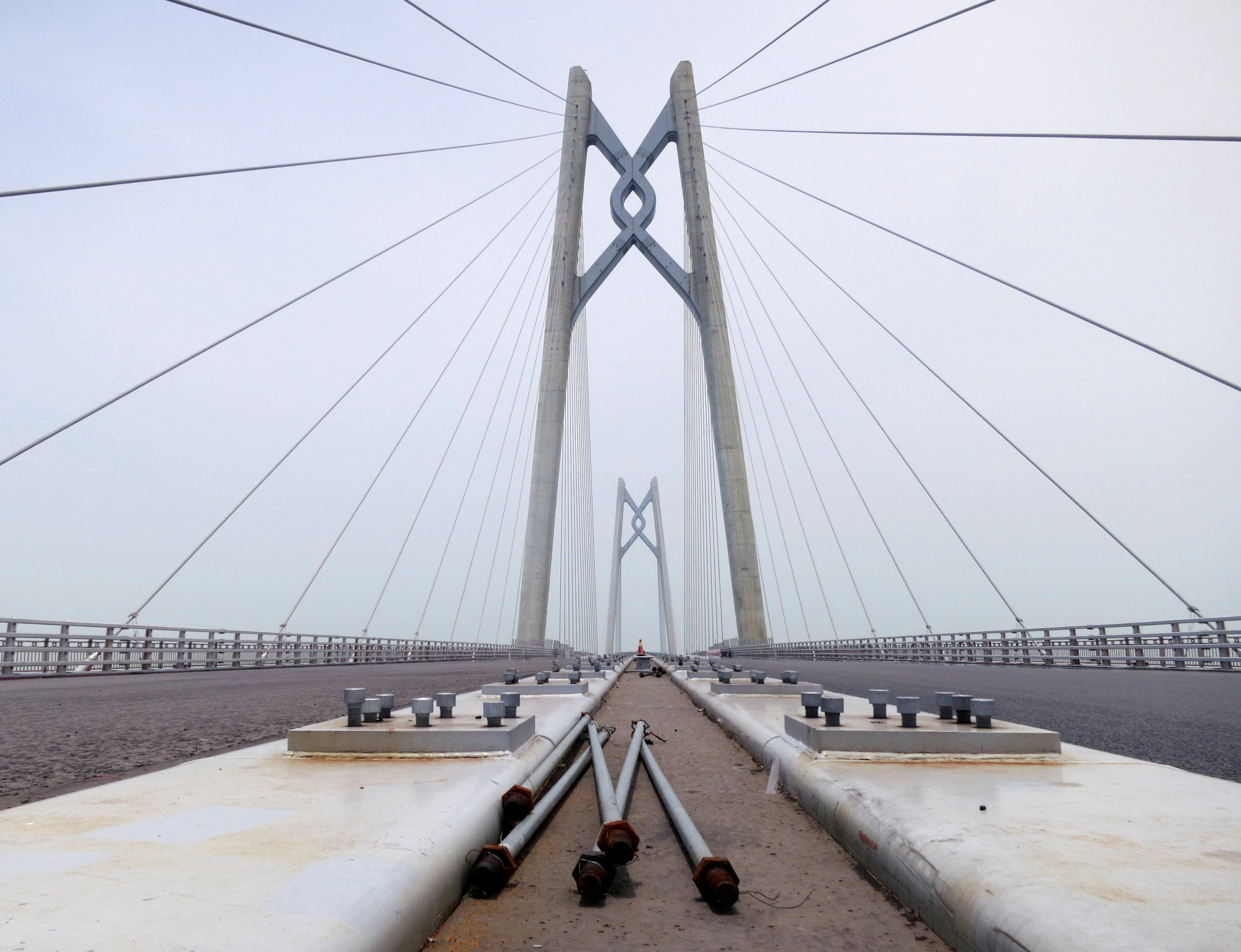Secretário dos Transportes de Hong Kong desconhece data de abertura da ponte HZM