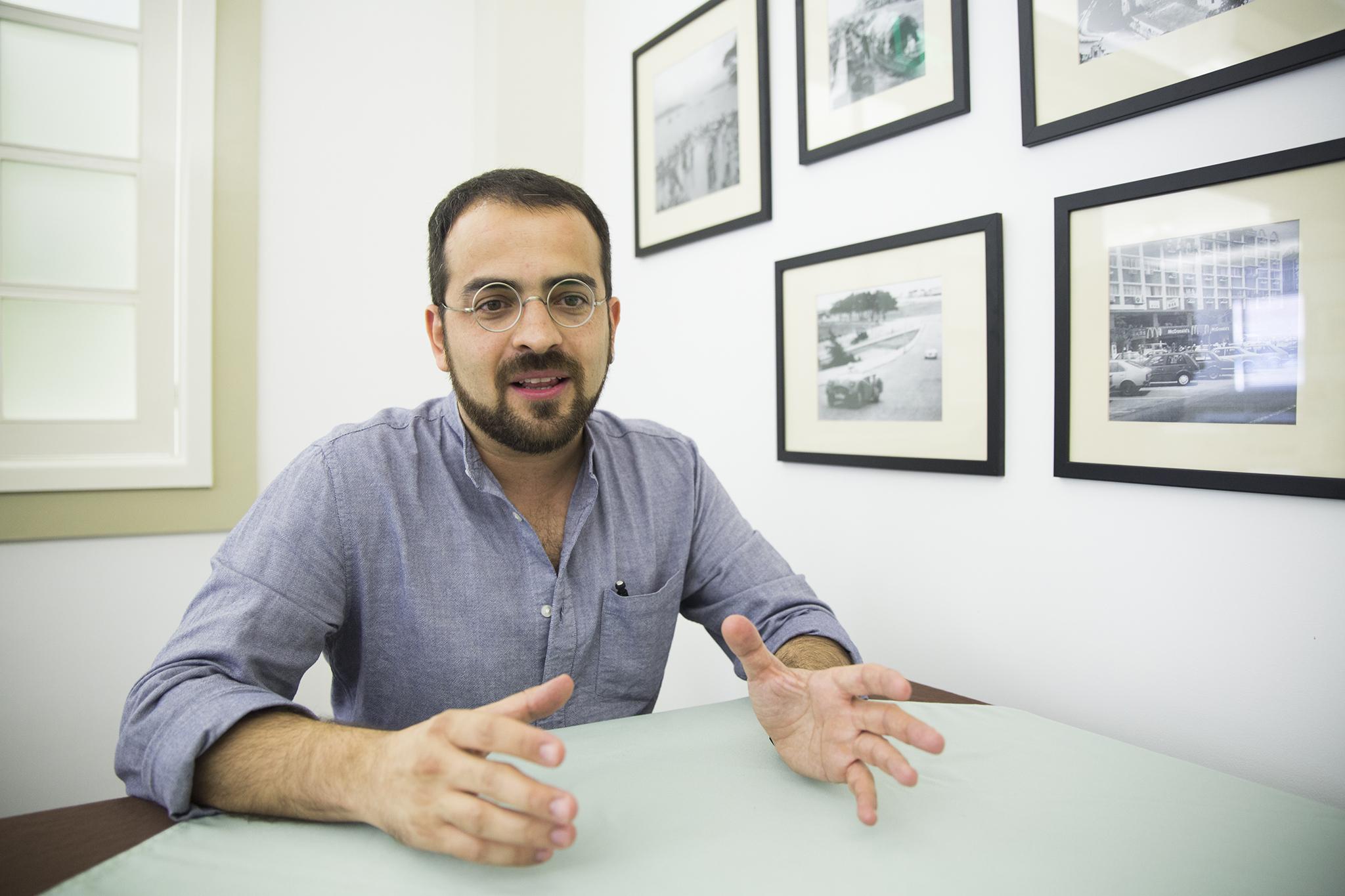 """Rodrigo de Matos, cartoonista:""""Coloco-me na linha de fogo"""""""