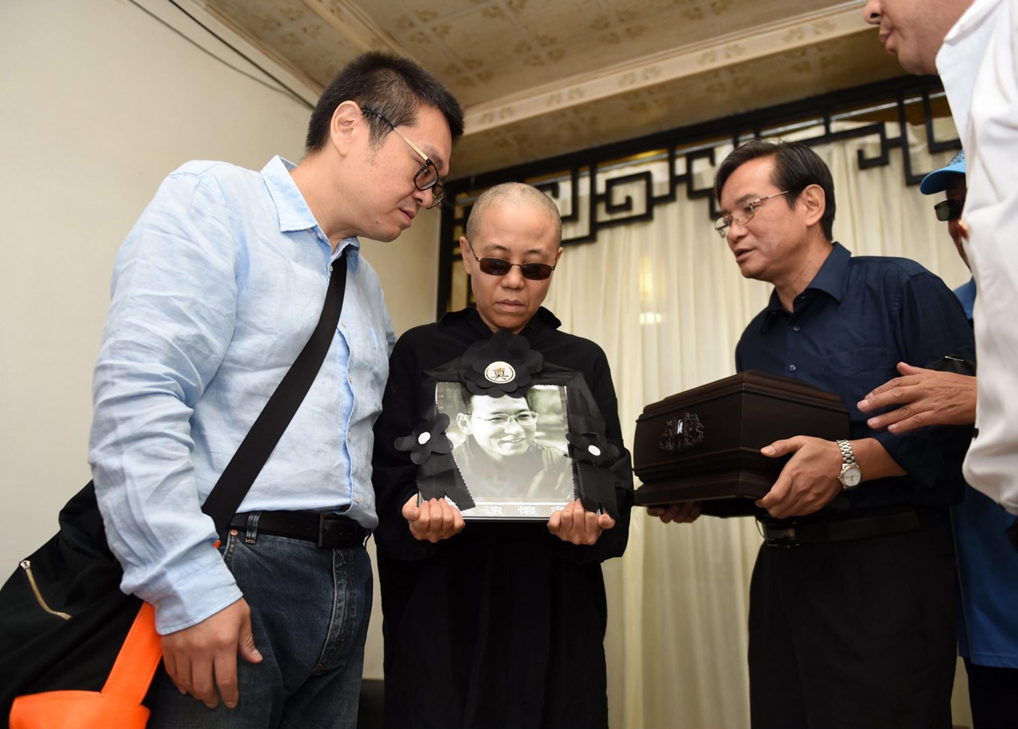 Viúva do Nobel Liu Xiaobo reaparece num vídeo
