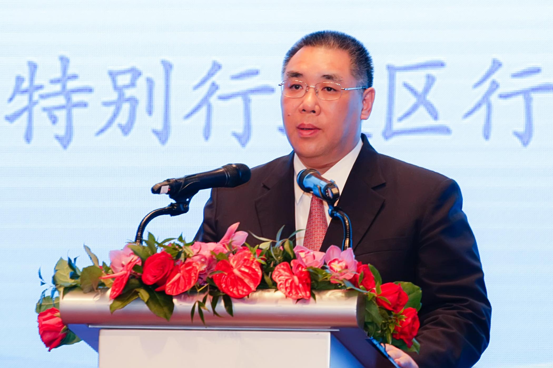 Chui Sai On garante manutenção da liberdade de imprensa em almoço com os media
