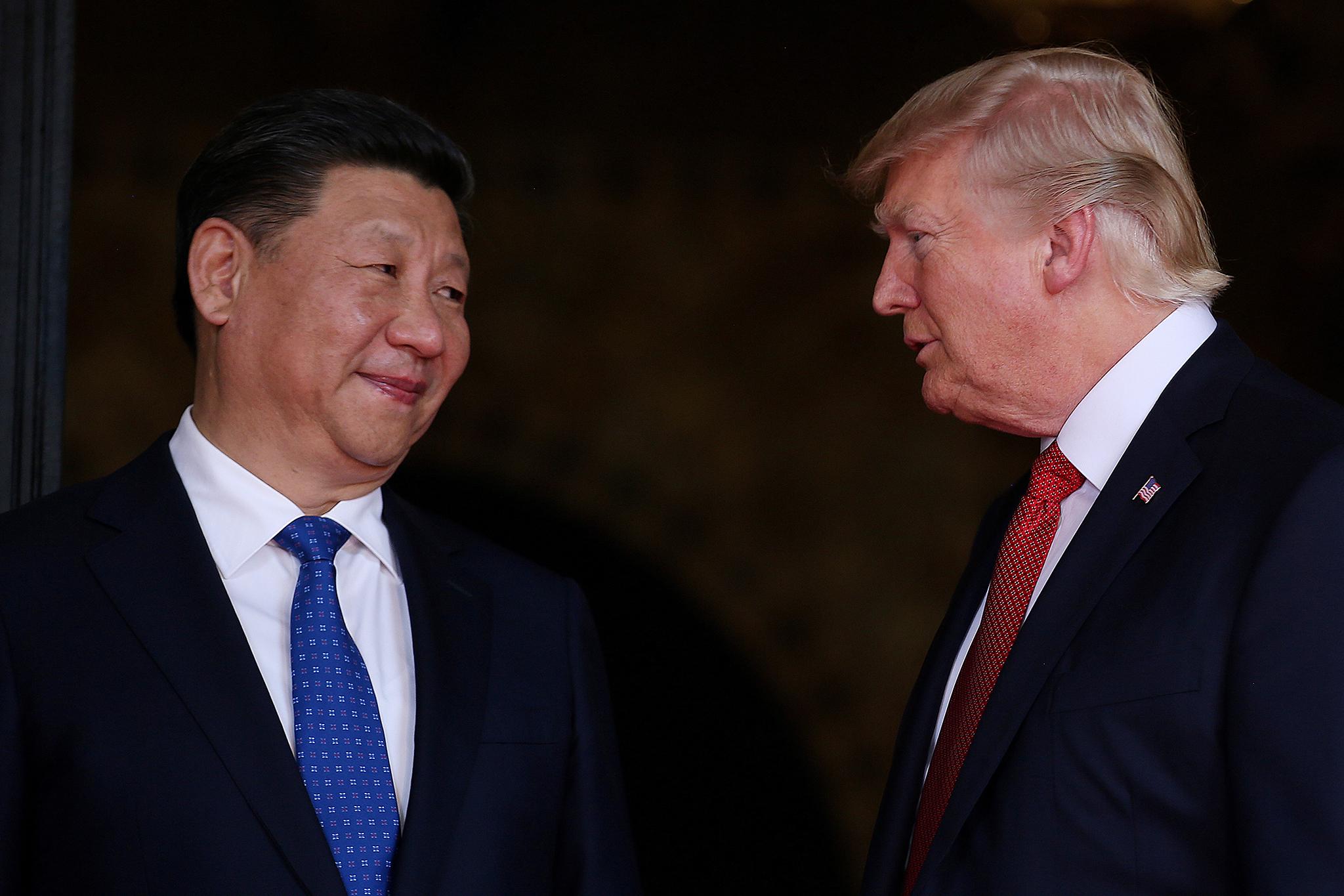 Guerra comercial entre China e EUA ameaça estabilidade da economia global
