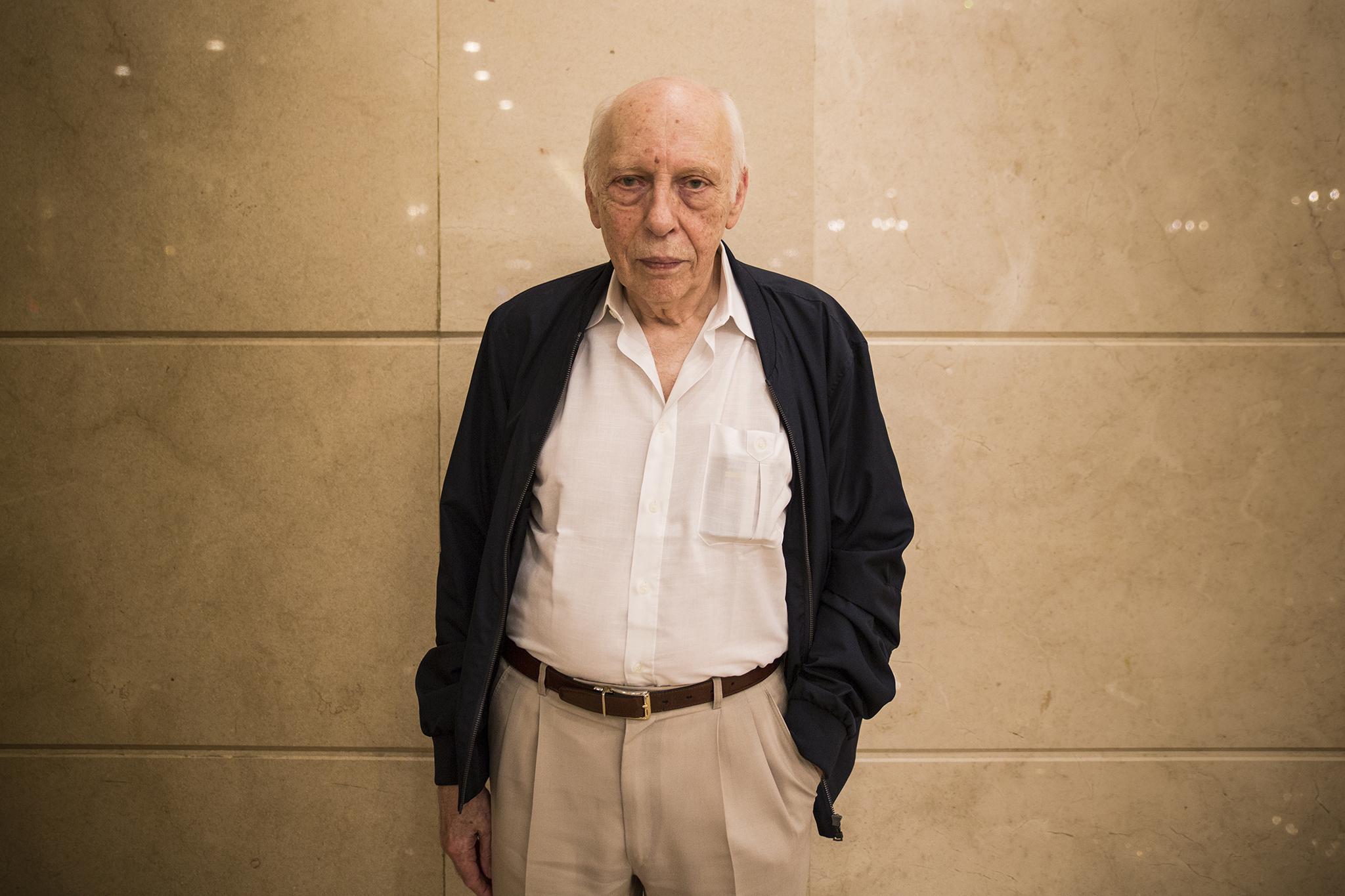 Entrevista | Hélder Macedo, escritor e investigador