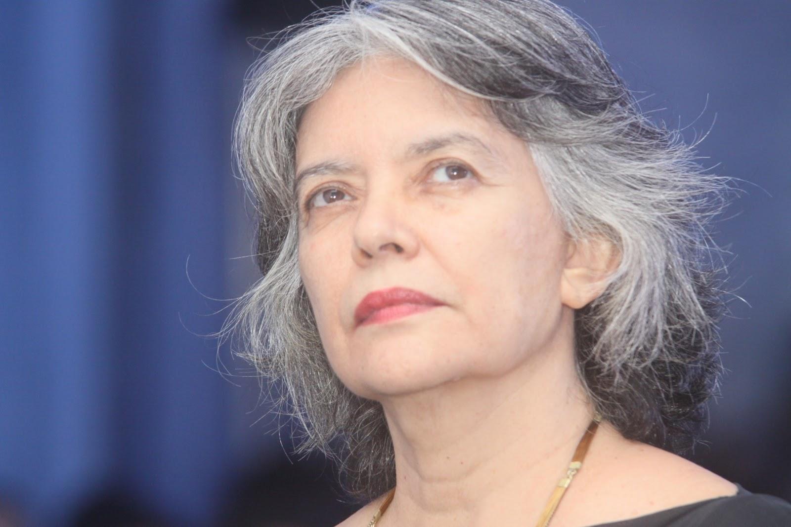 Literatura   Congresso Internacional de Lusitanistas organiza mesa de escritores