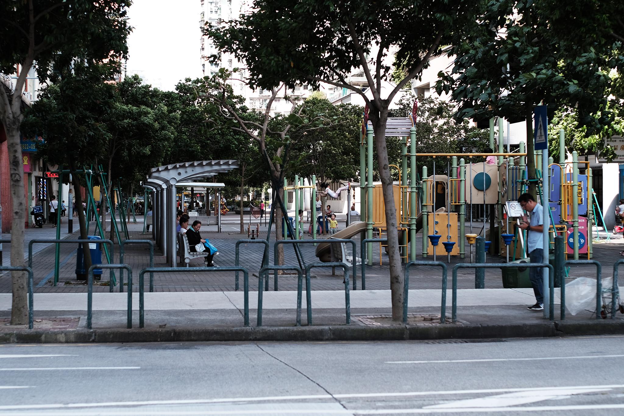 Parques infantis | Instalações inadequadas para portadores de deficiência