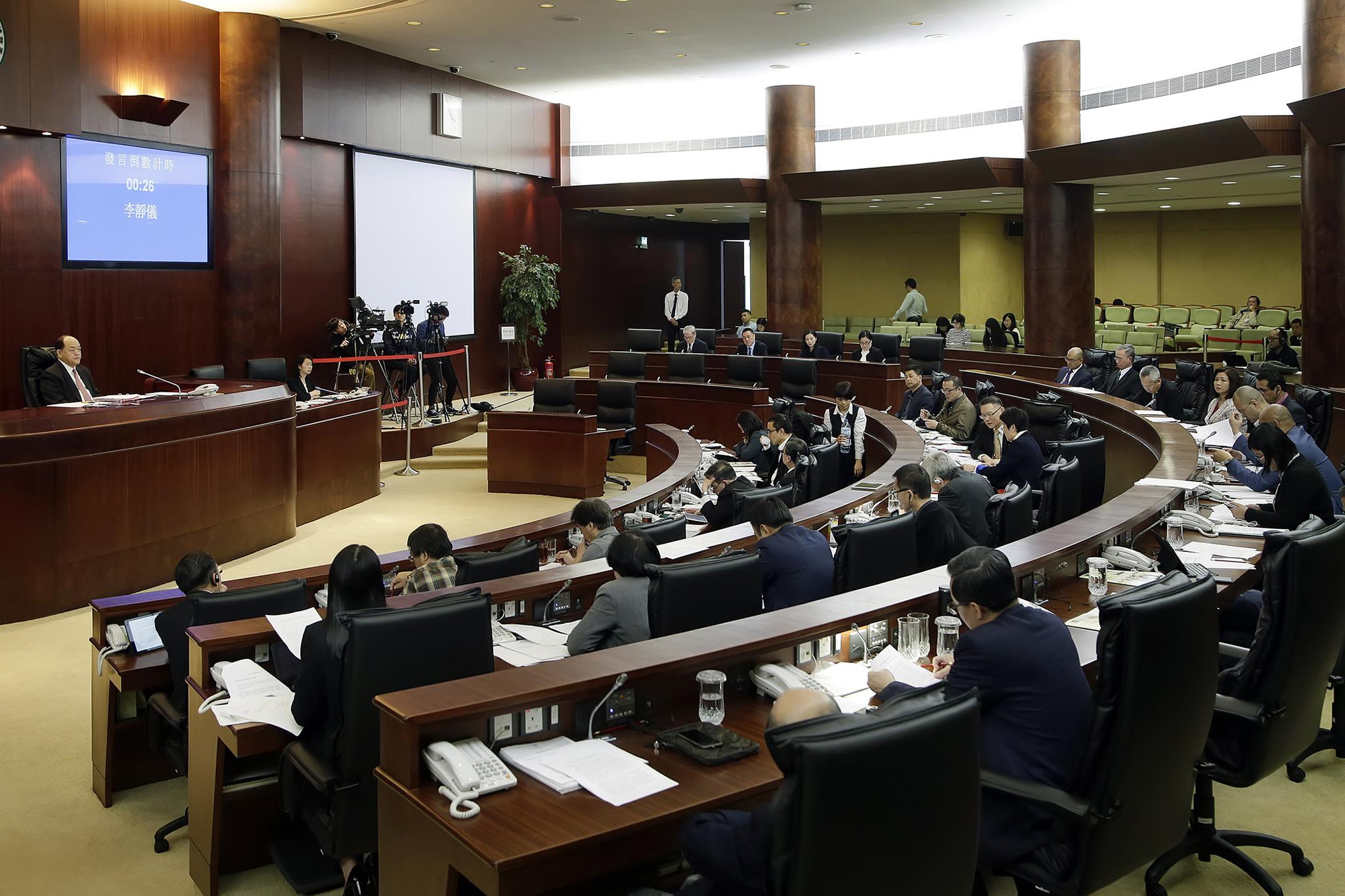 Plenário | Lei das rendas aprovada sem coeficiente de actualização