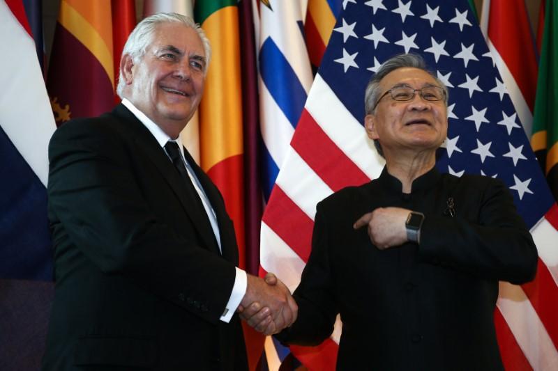 Tillerson deixa Tailândia com apelo ao reforço das relações