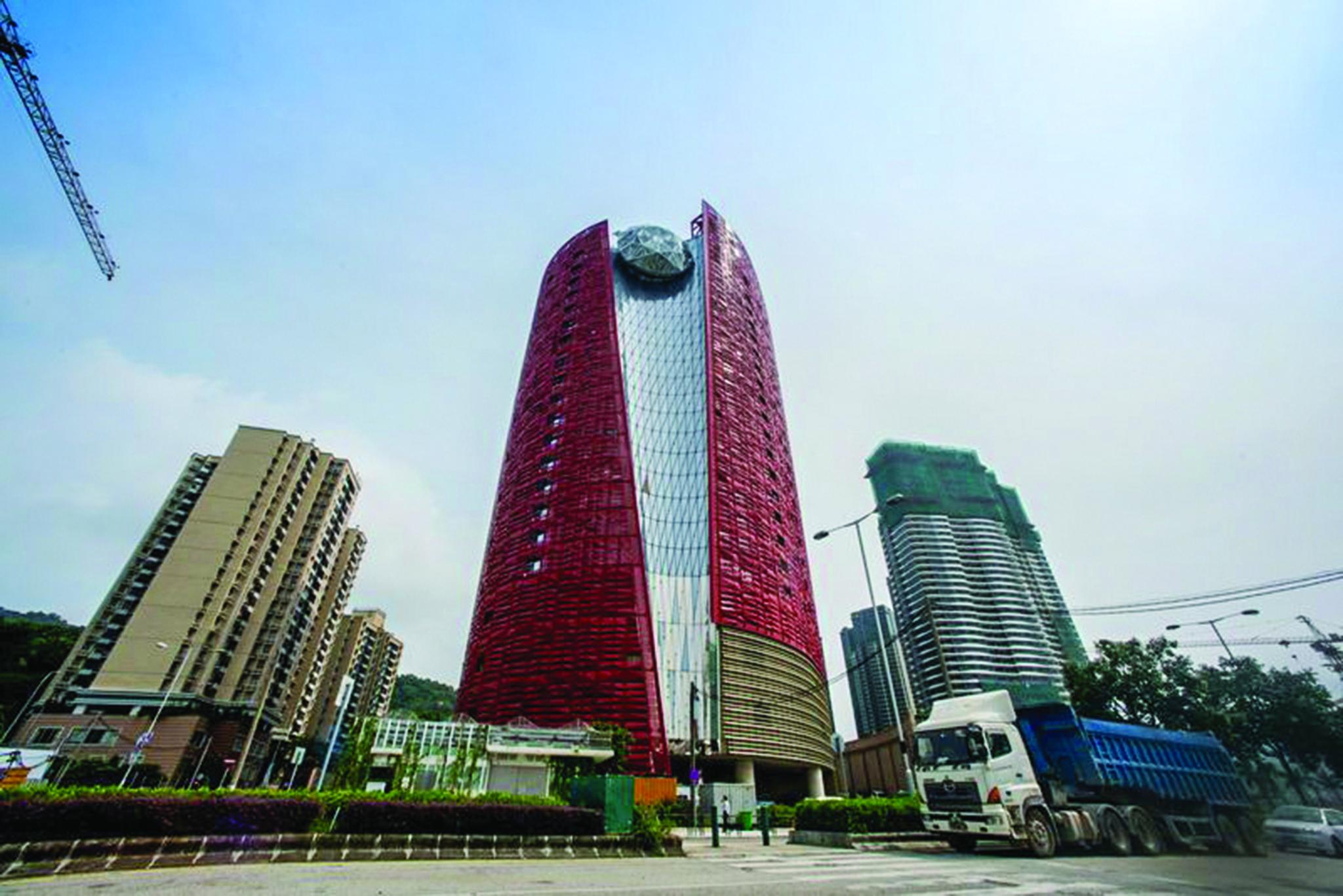Hotel 13 procura financiamento de quase dois mil milhões