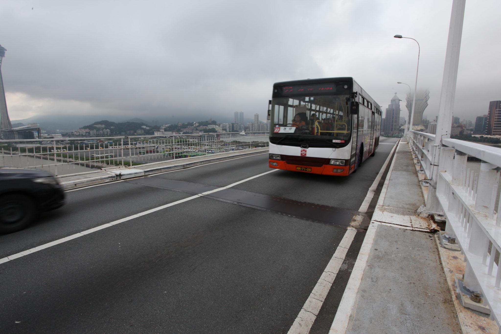 Transportes | Admitido bilhete combinado para metro e autocarros