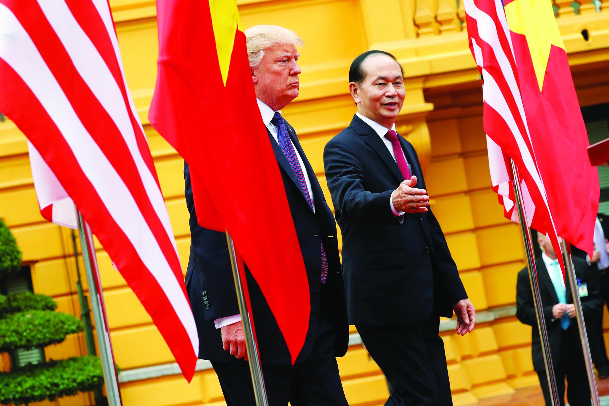 Mar do Sul da China | Trump oferece-se para arbitrar disputas