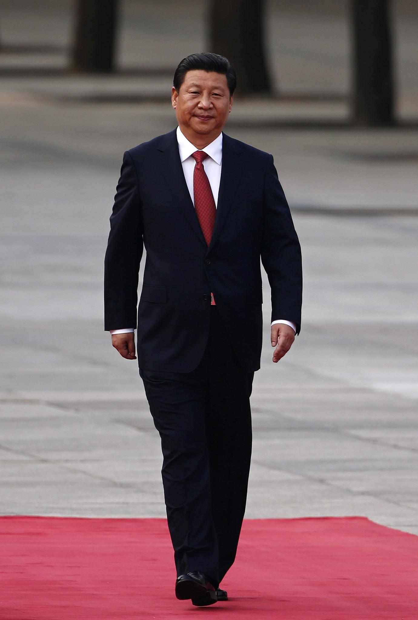 """China não """"exportará"""" modelo chinês, diz Xi"""
