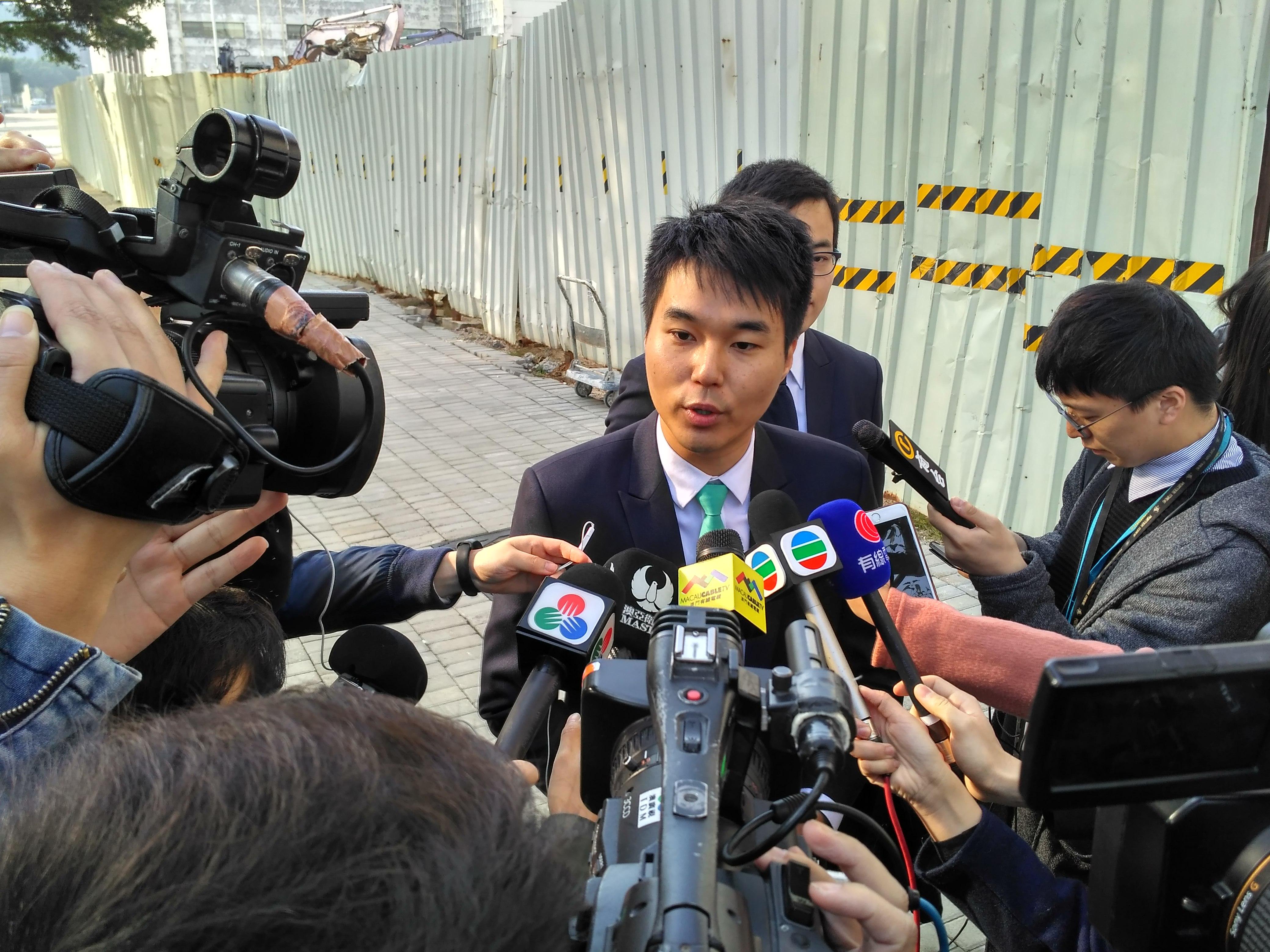 Julgamento de Sulu Sou e Scott Chiang novamente adiado
