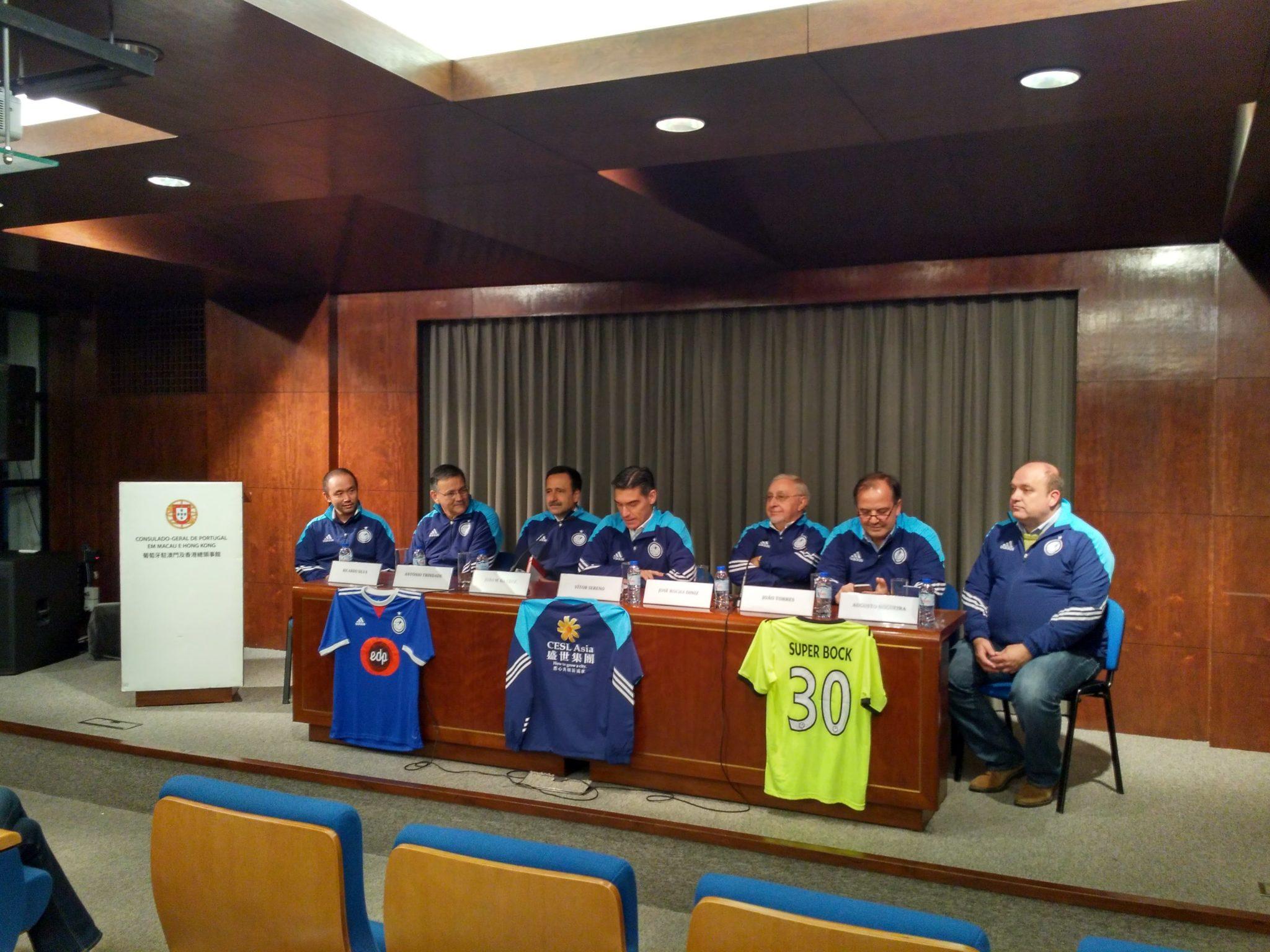 Futebol | Consulado apresentou equipa com 22 atletas mas a porta está aberta para reforços