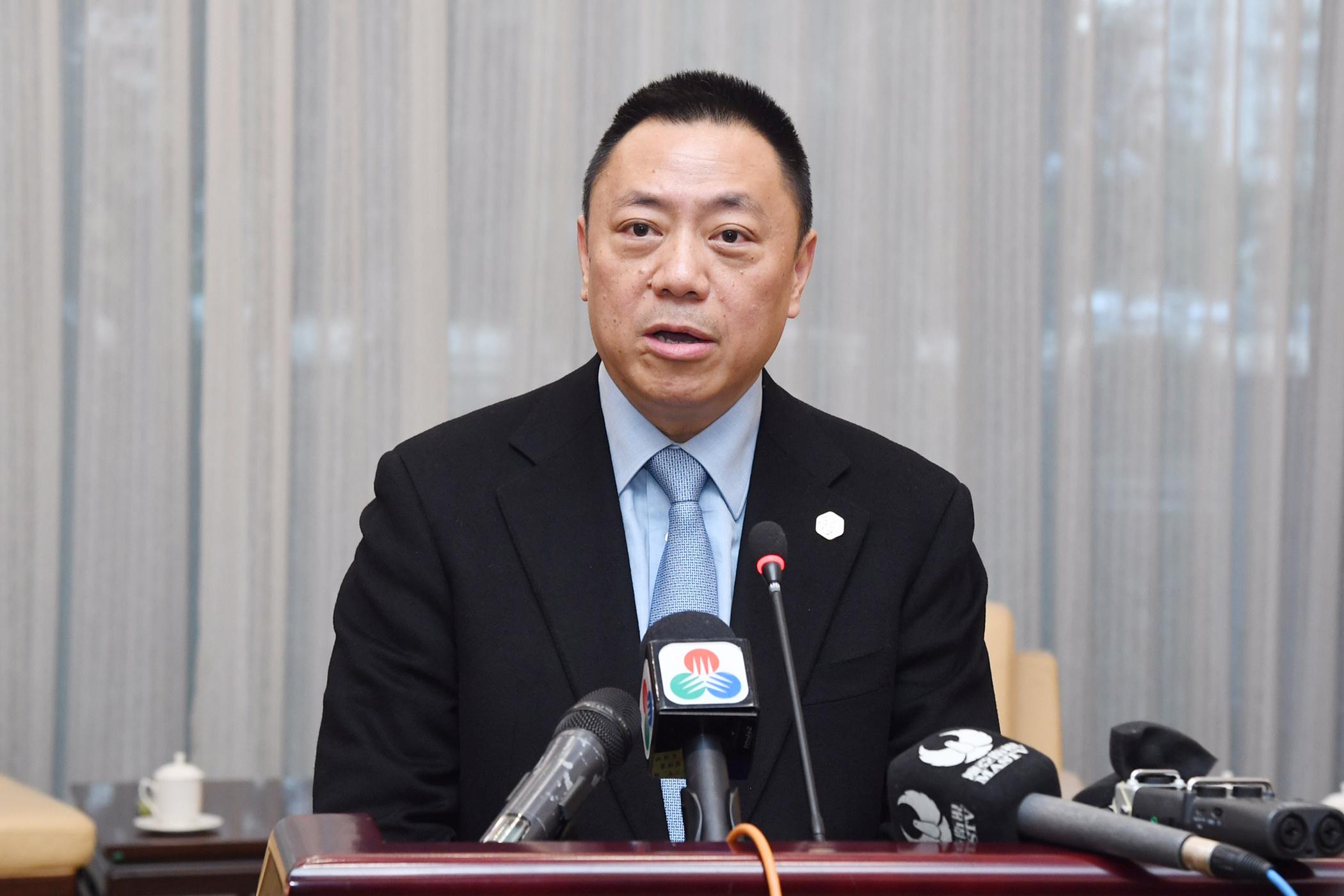 """Lionel Leong fala de """"nova era de desenvolvimento"""" no Parque de Medicina Tradicional Chinesa"""