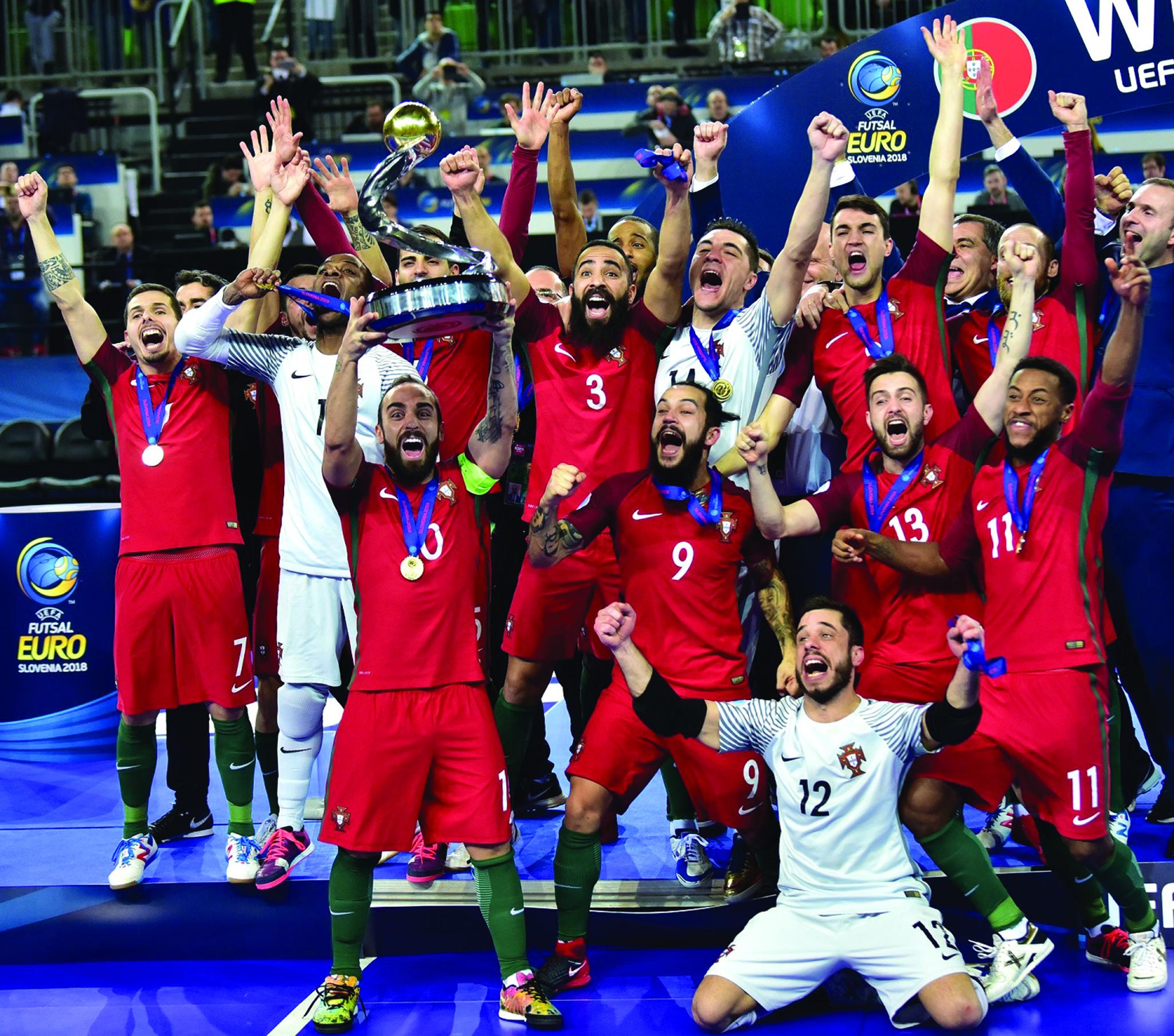 ... sagra-se campeão europeu. epa06512933 Team Portugal Winner on the  Tournament at the UEFA FUTSAL EURO 2018 final game at the Arena Stozice 3cddebdb0a247