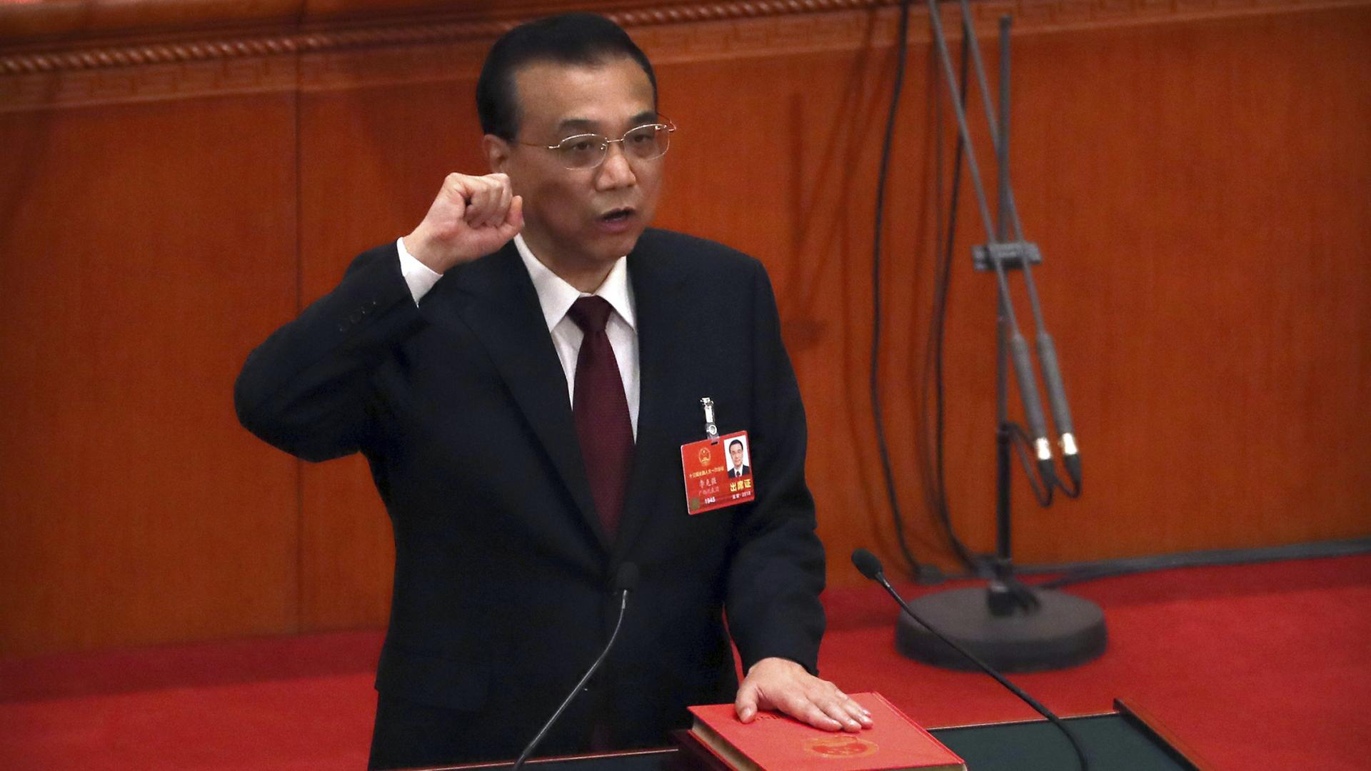 Primeiro-ministro chinês reeleito e aprovada reestruturação do governo