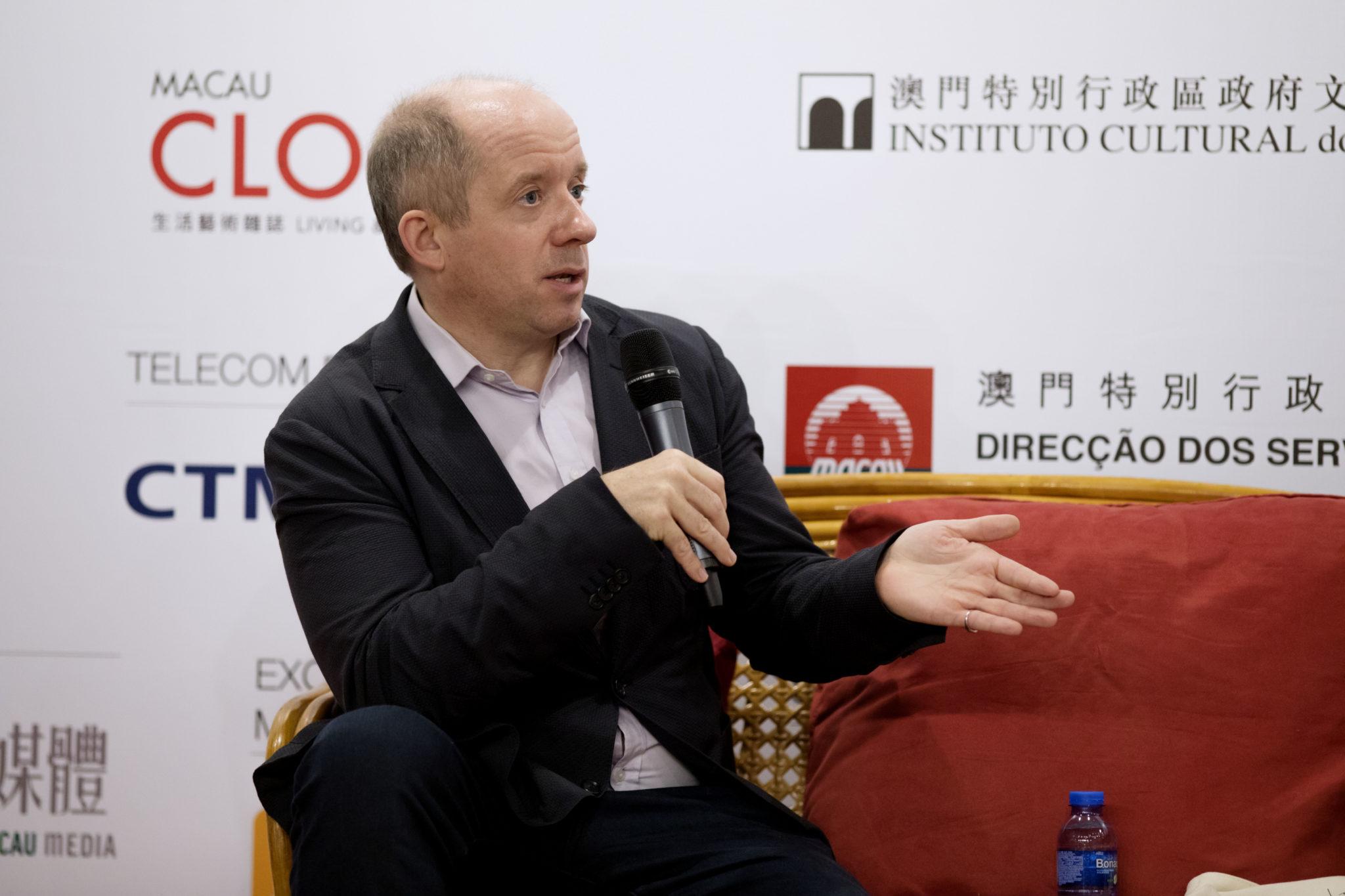 Rota das Letras   Duncan Clark apresentou biografia de Jack Ma, fundador do Alibaba