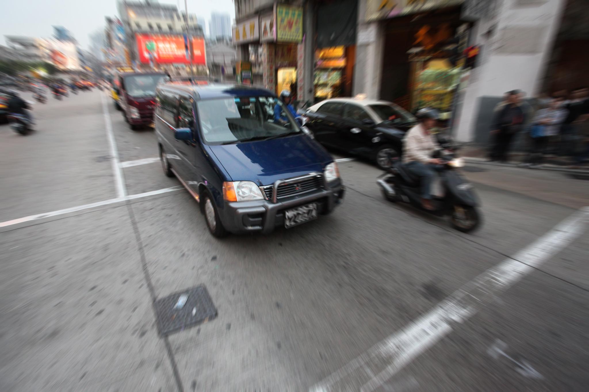 Menos de 0,4 por cento dos veículos de Macau pode circular na Ilha da Montanha