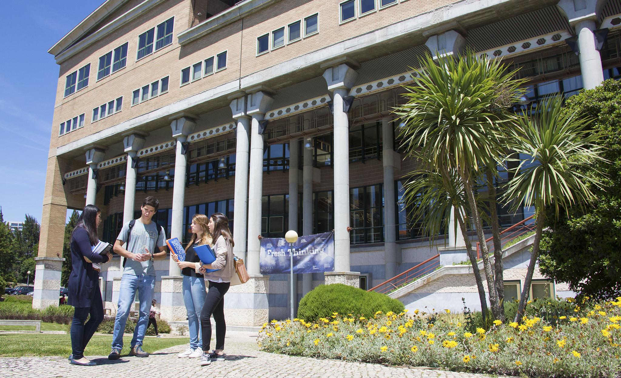 Ensino Superior | Criada associação de antigos alunos da Universidade Católica