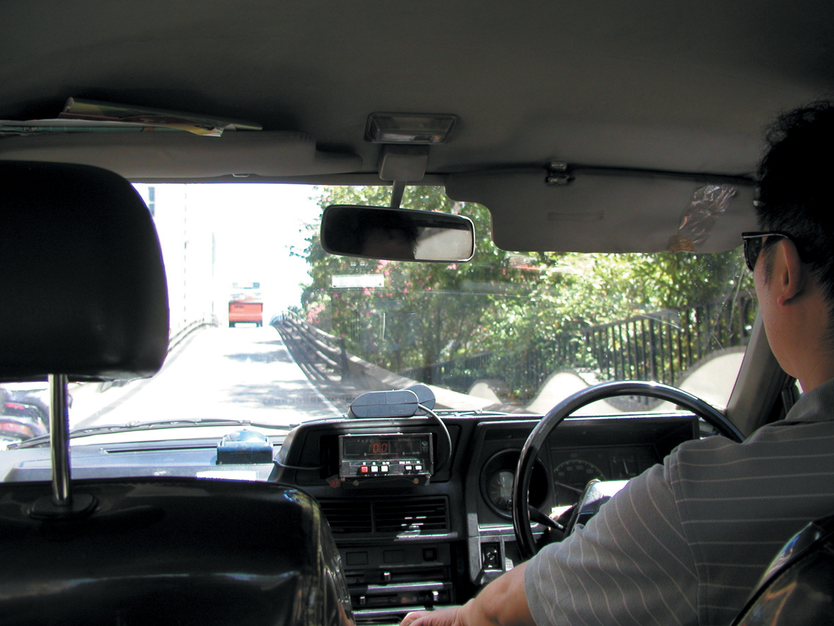 Táxis | Membro dos Kaifong sugere actualização permanente de tarifas