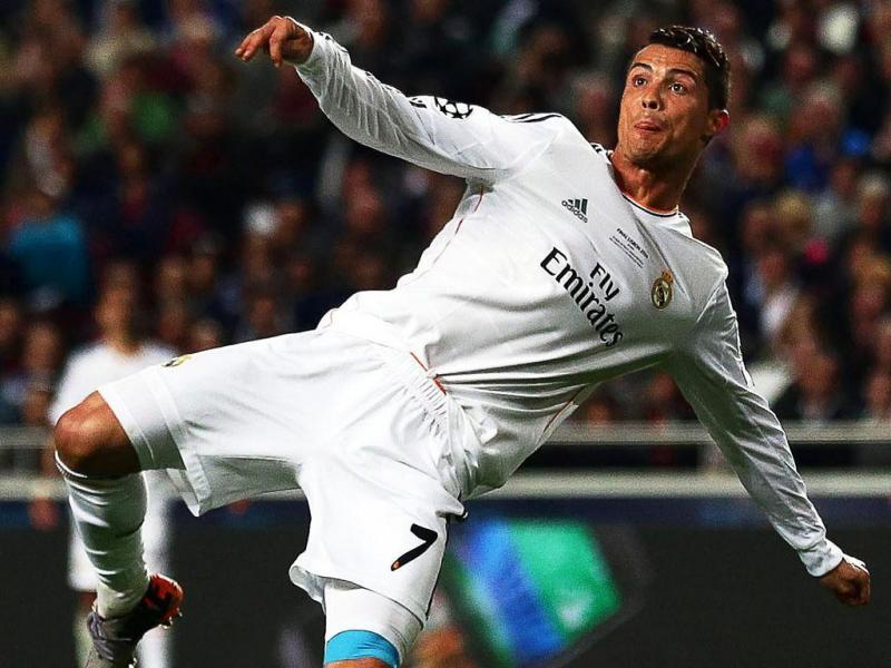 Ronaldo com estreantes Modric e Salah na 'corrida' para melhor do ano na Europa