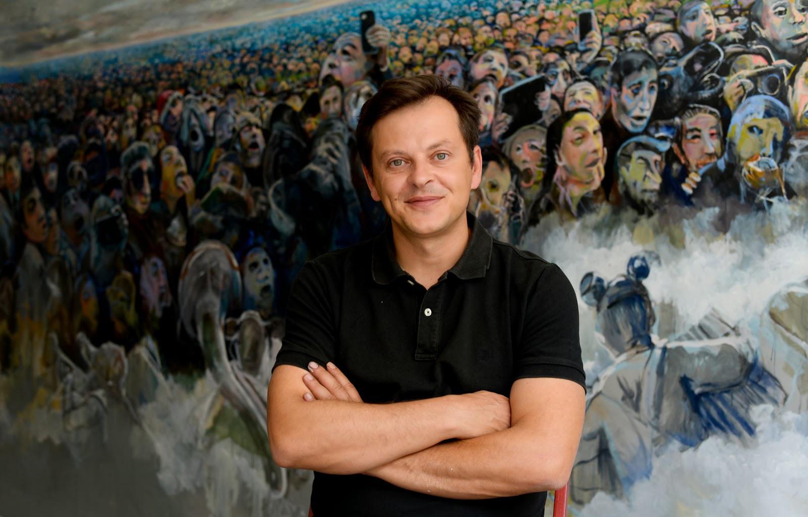 """Carlos Farinha, artista plástico e representante de Portugal na Art Beijing: """"Olhar como se estivesse de lado"""""""