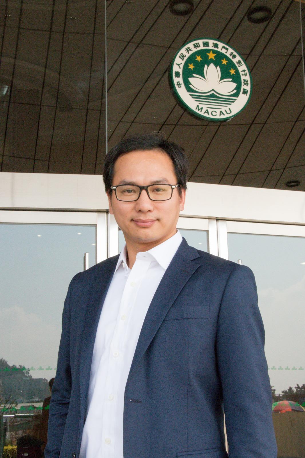 Deputado Leong Sun Iok defende ajuste do preço dos combustíveis