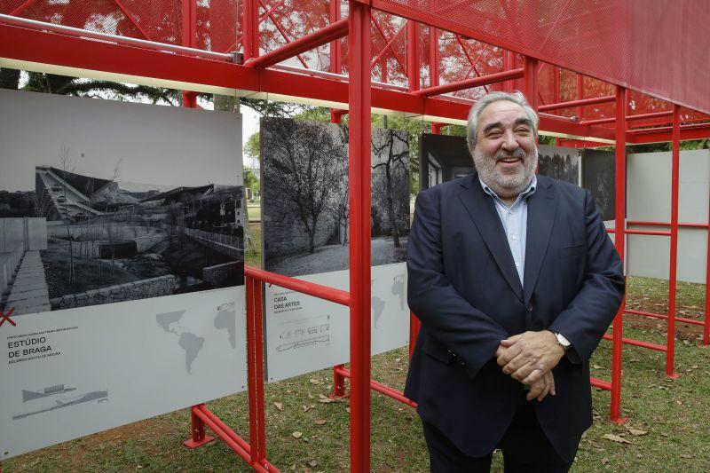 Presidente da República portuguesa vai condecorar Carrilho da Graça e Souto de Moura