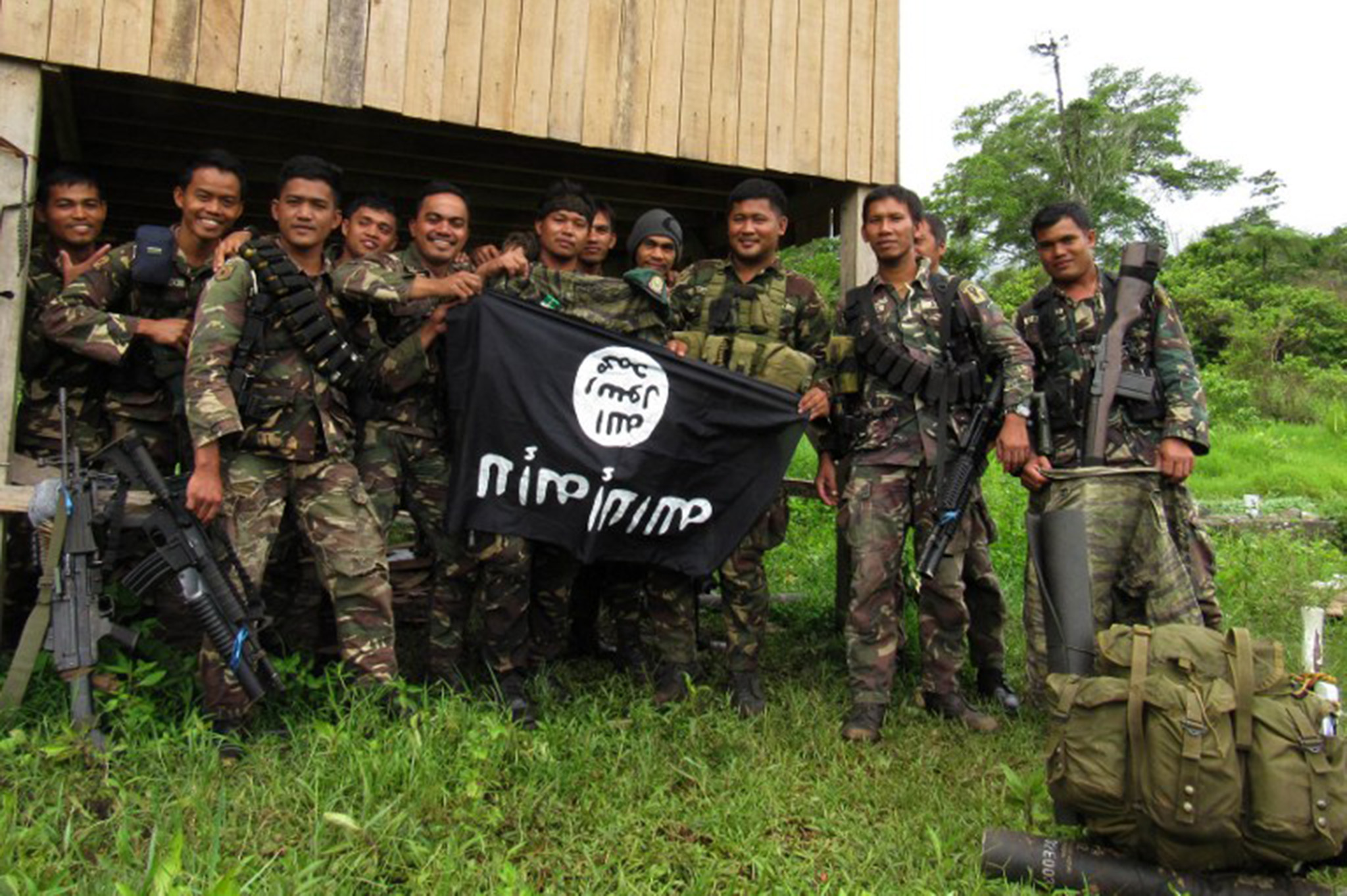 Quase 12 mil deslocados devido a combates no sul das Filipinas