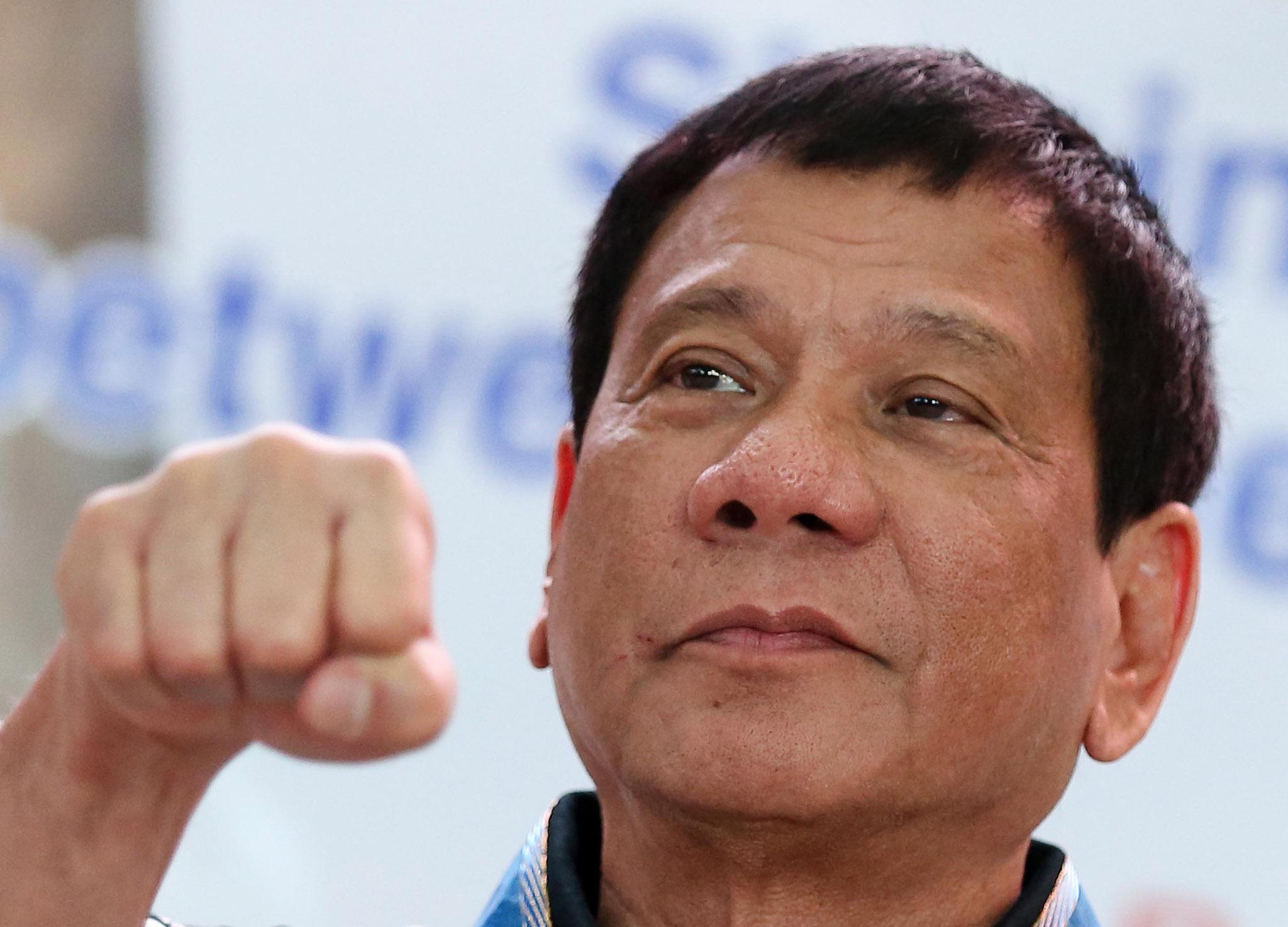 Filipinas | Duterte já despediu cerca de 800 funcionários por corrupção