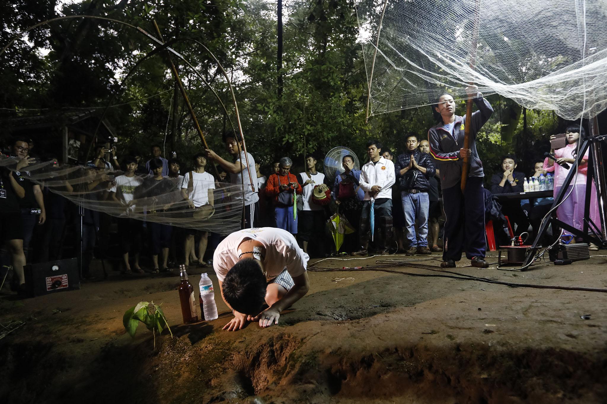 Tailândia | Confirmado resgate de quatro crianças presas em gruta