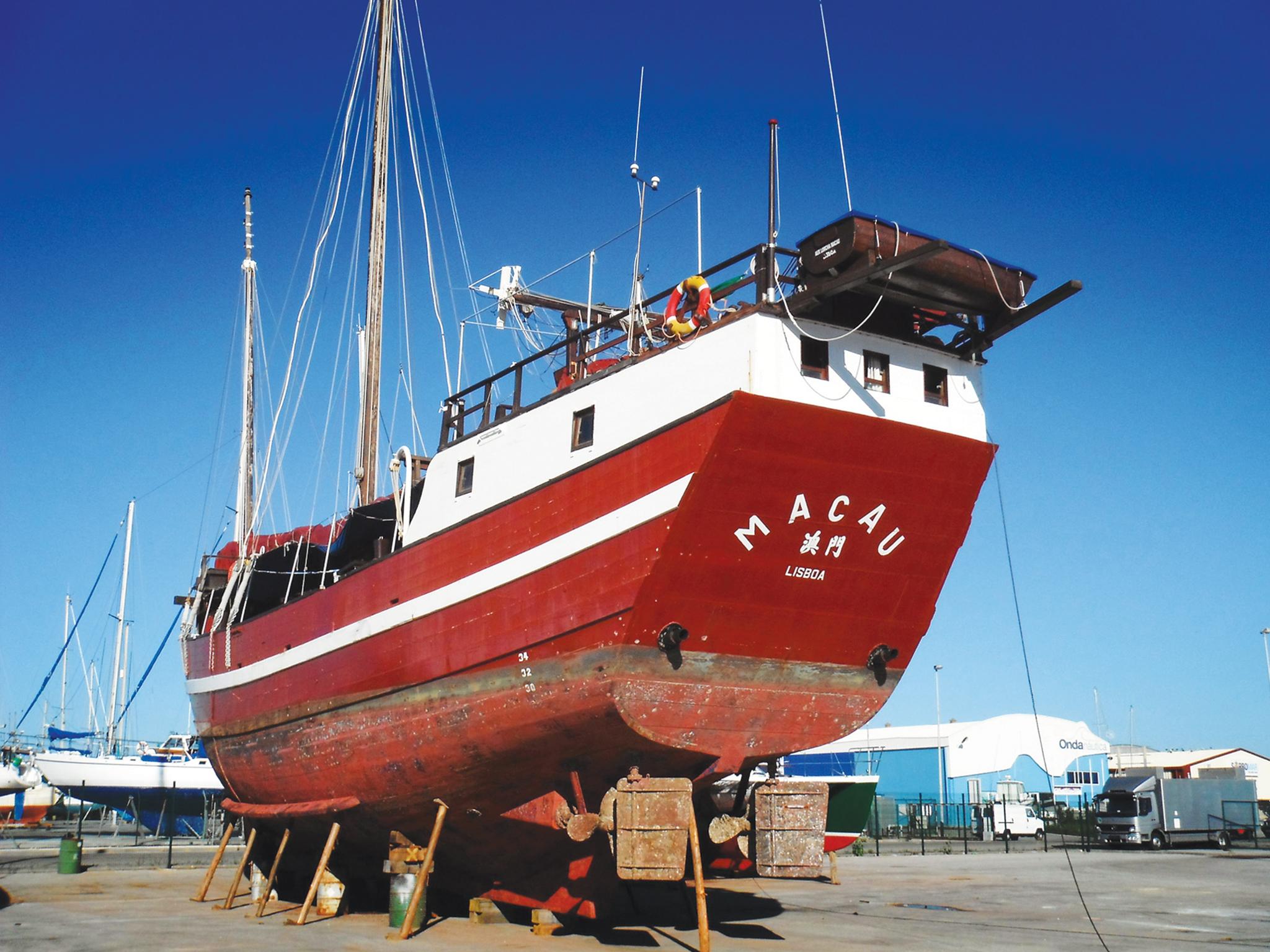 Lorcha Macau | Embarcação foi totalmente destruída