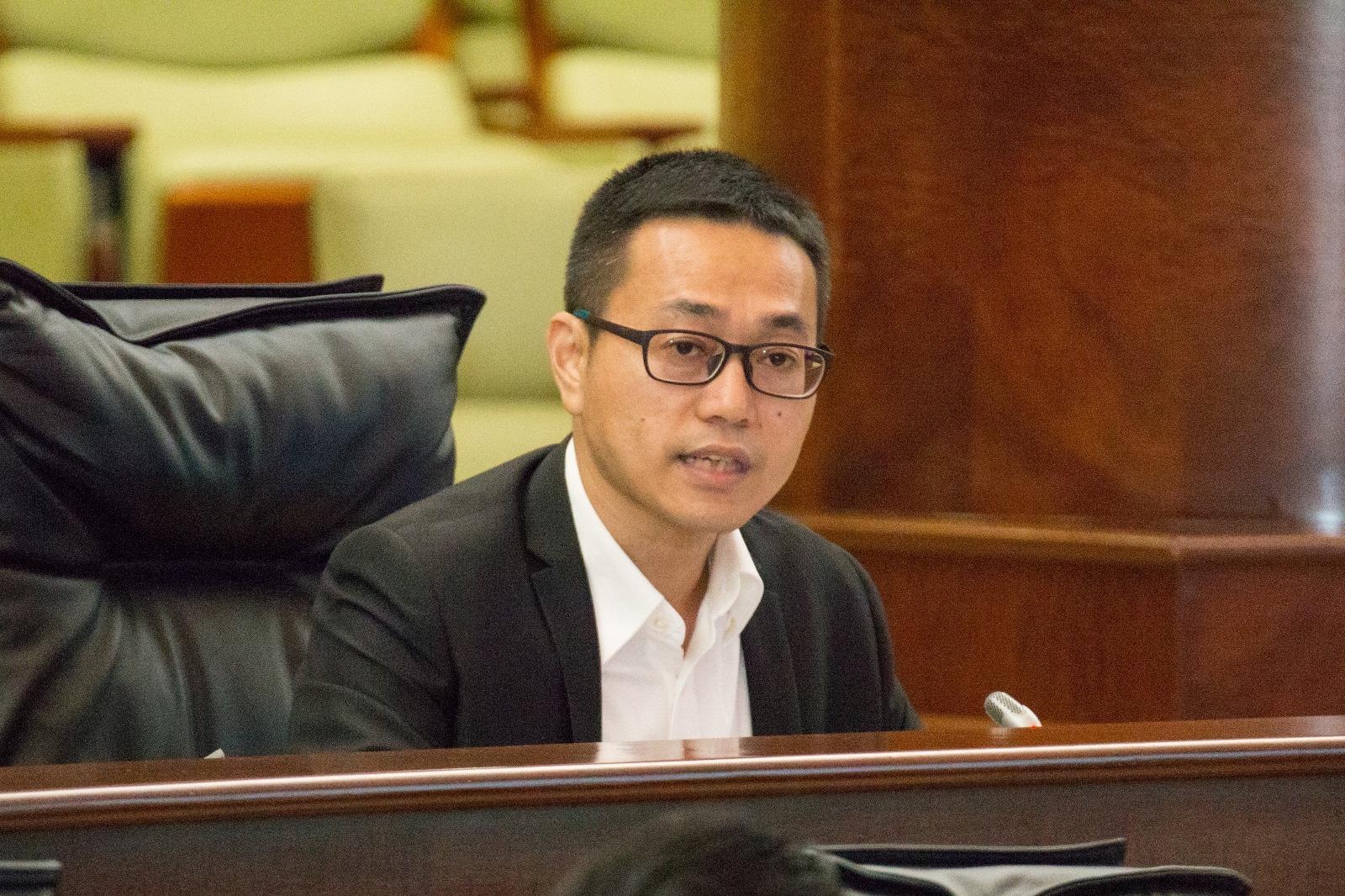 Lei Chan U pede aumento do período da licença de maternidade