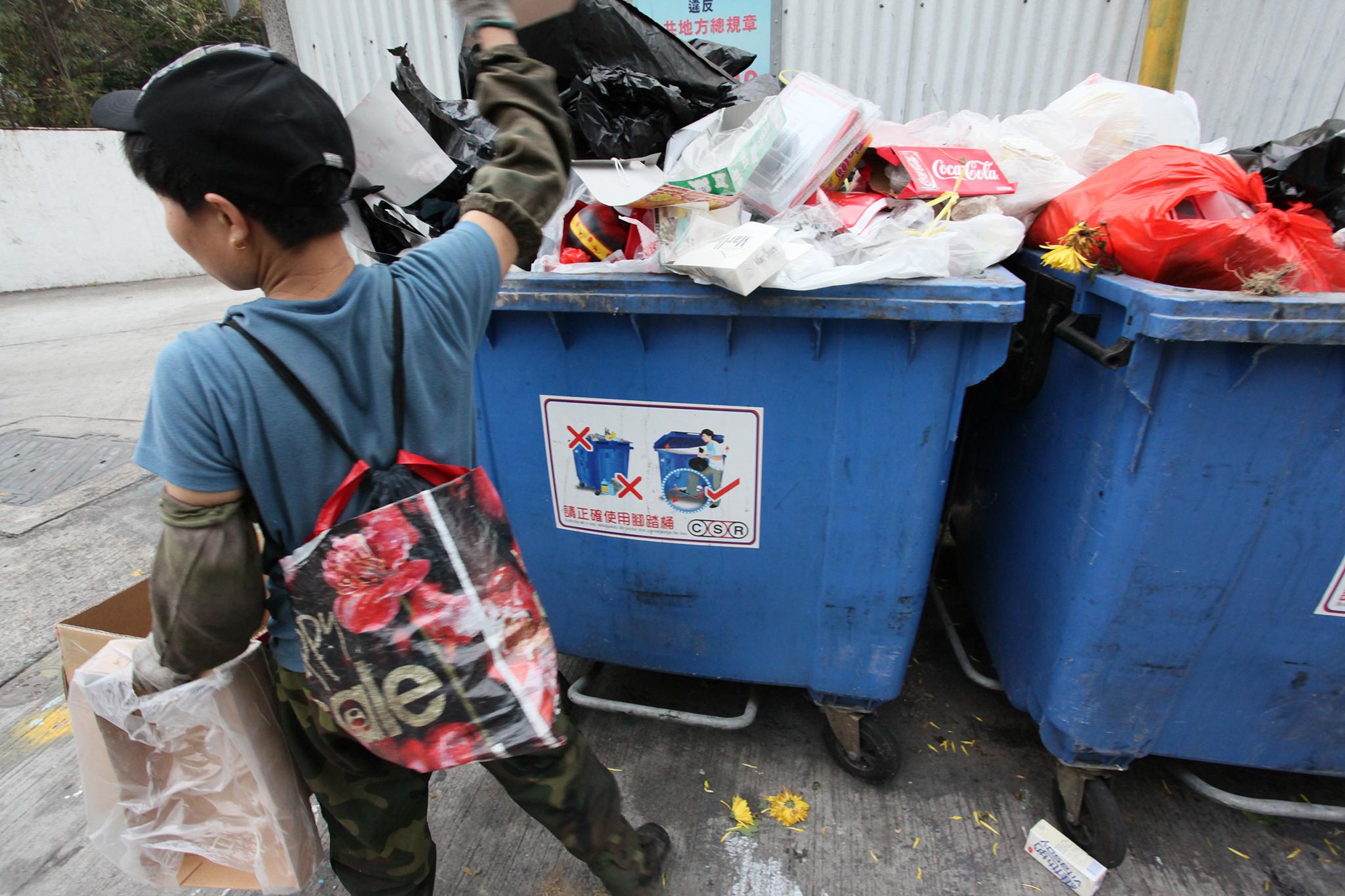 Ambiente | Quantidade de lixo produzido 'per capita' sem sinais de abrandamento