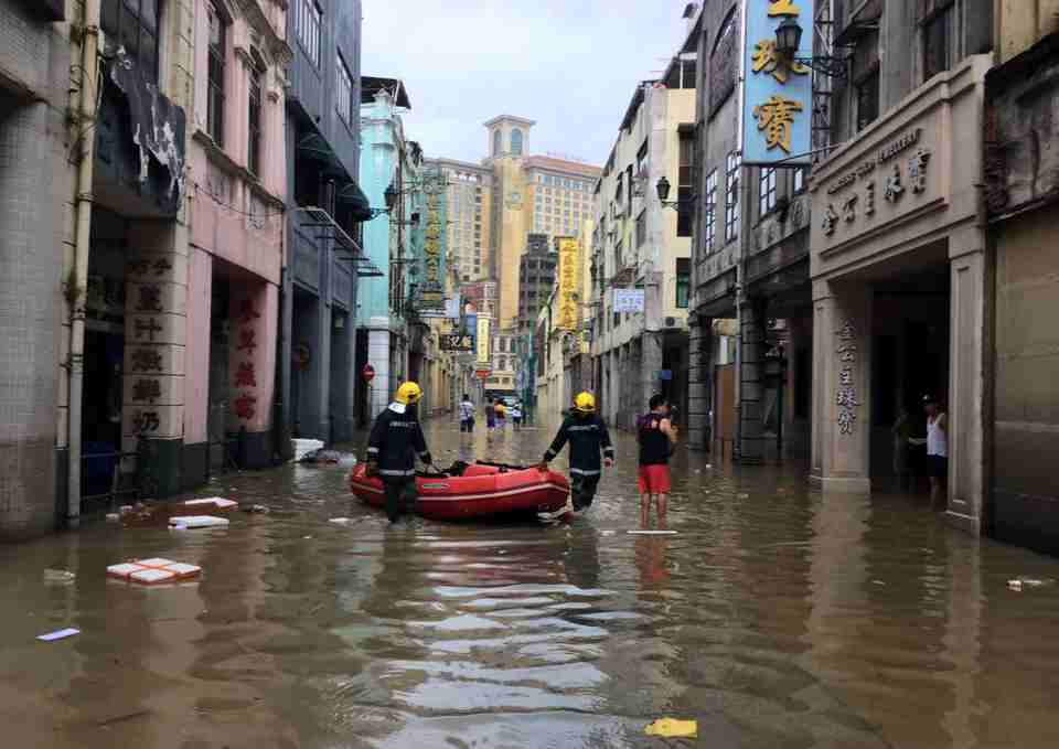 Associações lembram que inundações no Porto Interior continuam