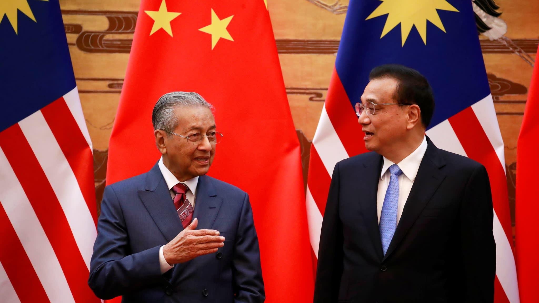 Economia   PM da Malásia espera que Pequim entenda crise fiscal no país