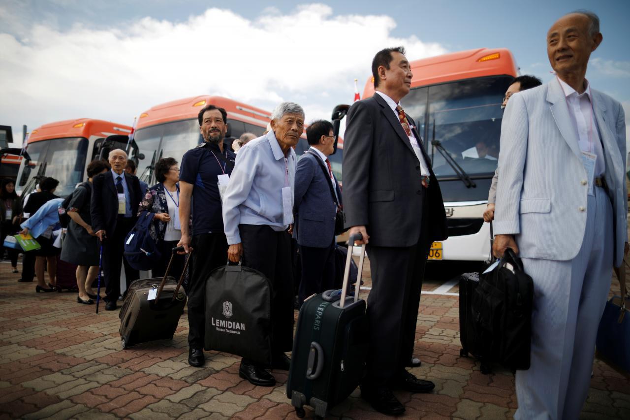 Coreia do Norte   Sul-coreanos a caminho para encontro com familiares