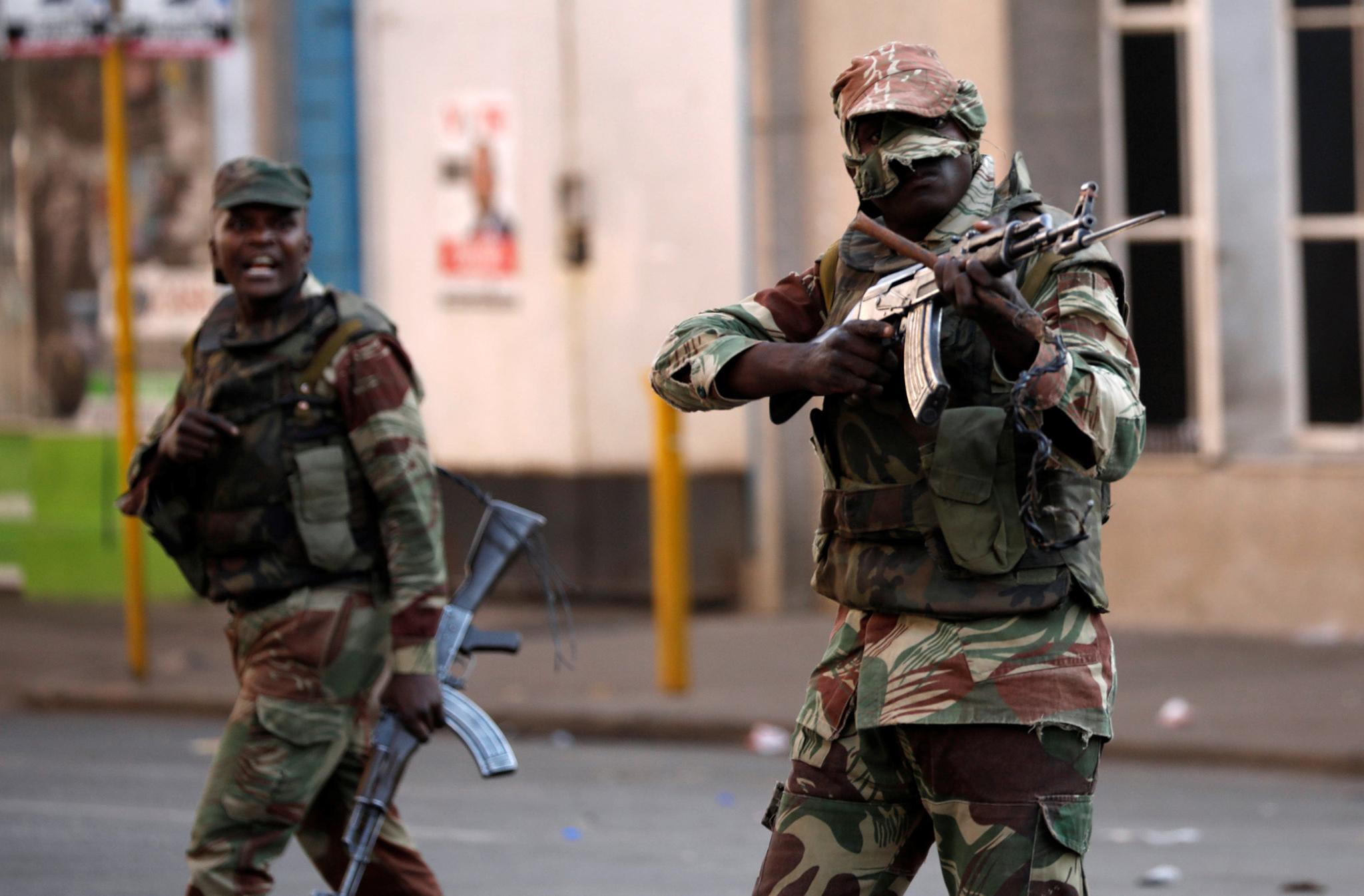 Defesa | Luanda pede apoio financeiro a Pequim para as Forças Armadas