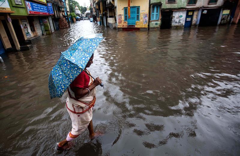 Mais de um milhão de deslocados devido a inundações no sul da Índia