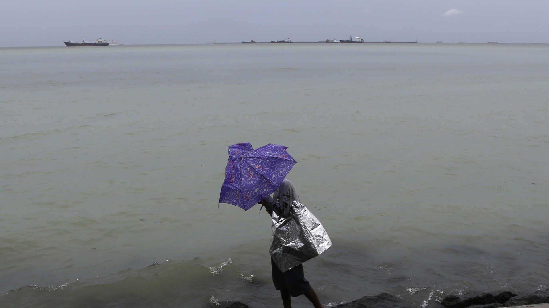 Meteorologia   Pelo menos nove mortos na passagem do tufão Rumbia