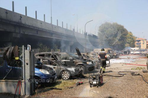 Itália | Pelo menos dois mortos e 60 a 70 feridos na explosão de camião