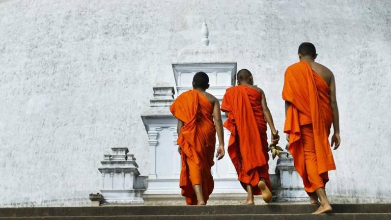 Tailândia   Tribunal condena monge a 114 anos de prisão