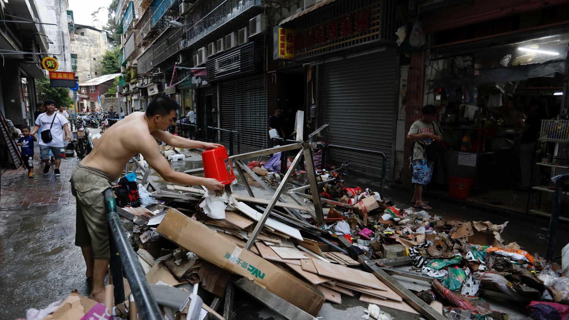 Voluntariado   Quando os residentes saíram à rua para limpar Macau