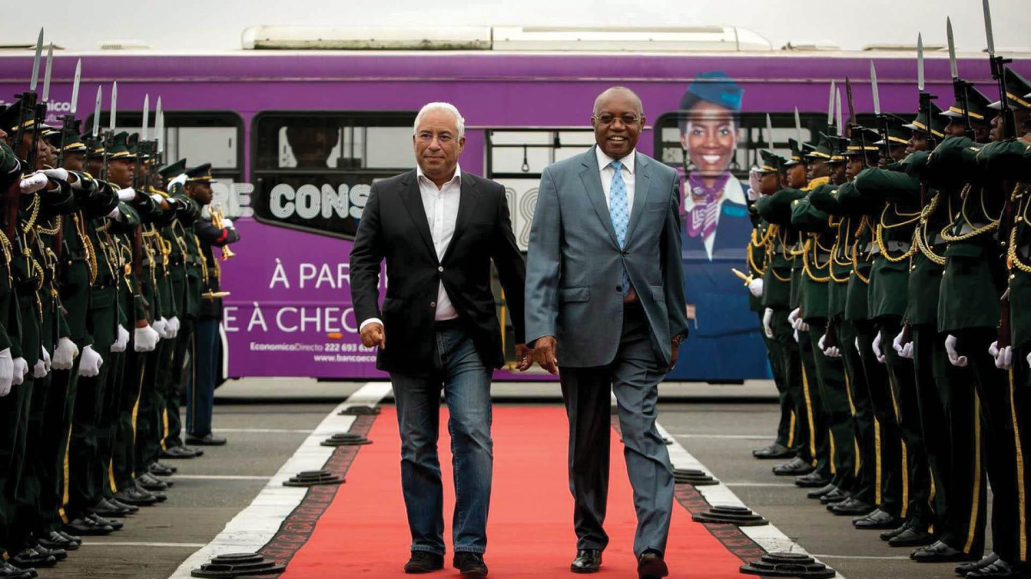 Costa diz que visitas de alto nível entre os dois governos têm de intensificar-se