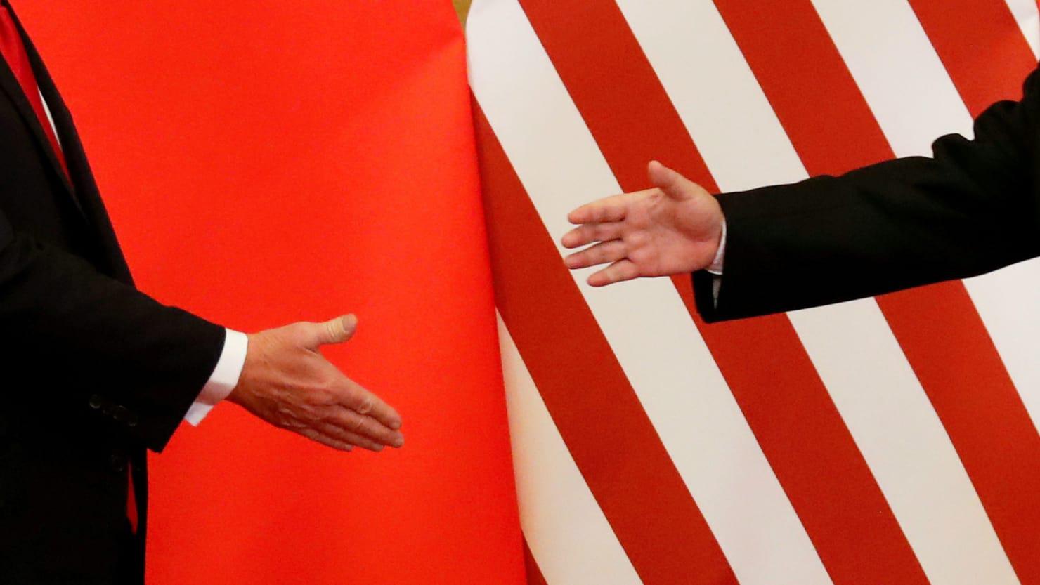 Comércio | Diálogo impossível enquanto EUA tiverem faca encostada ao pescoço