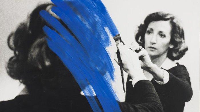 Morreu a artista plástica Helena Almeida