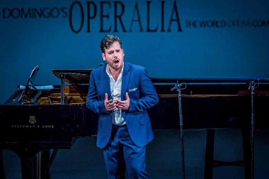 Tenor português Luís Gomes vence dois prémios no concurso Operalia