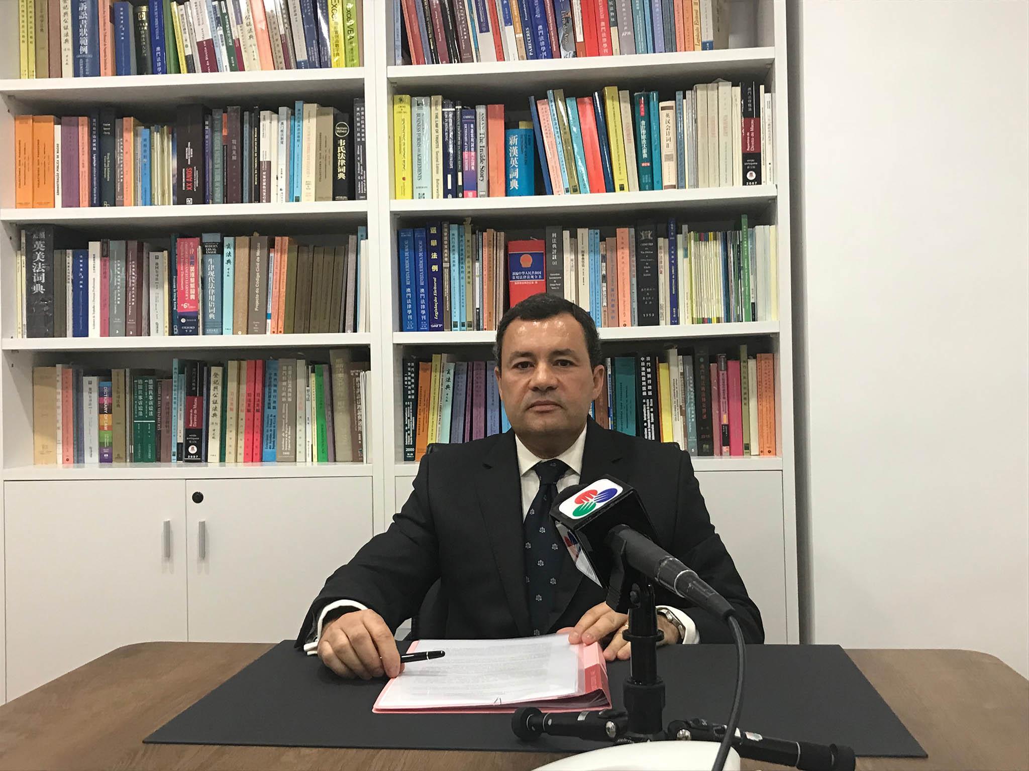AAM | Sérgio de Almeida Correia chega-se à frente por uma associação mais activa