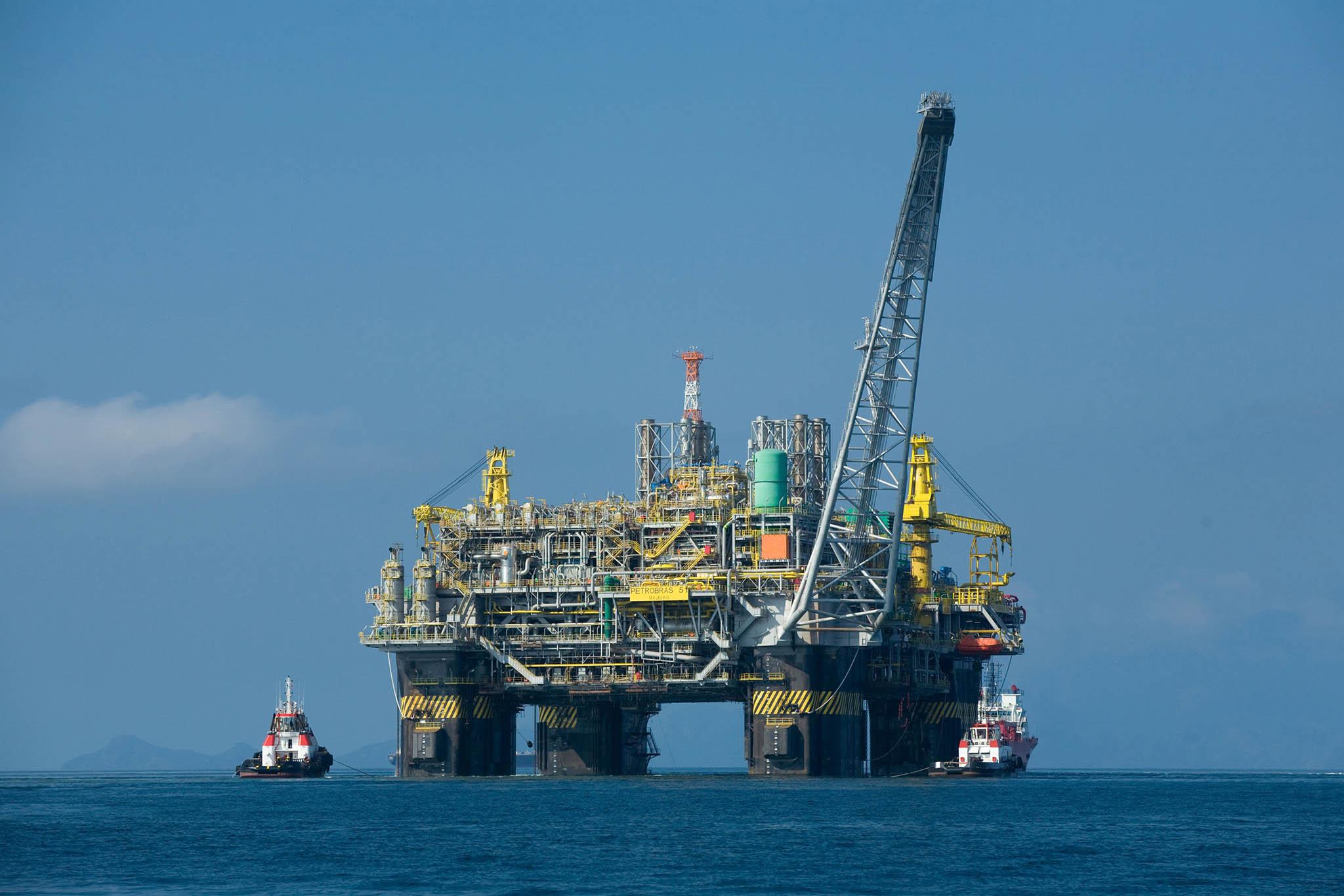 Fitch | Pagar empréstimos com petróleo angolano é perigoso