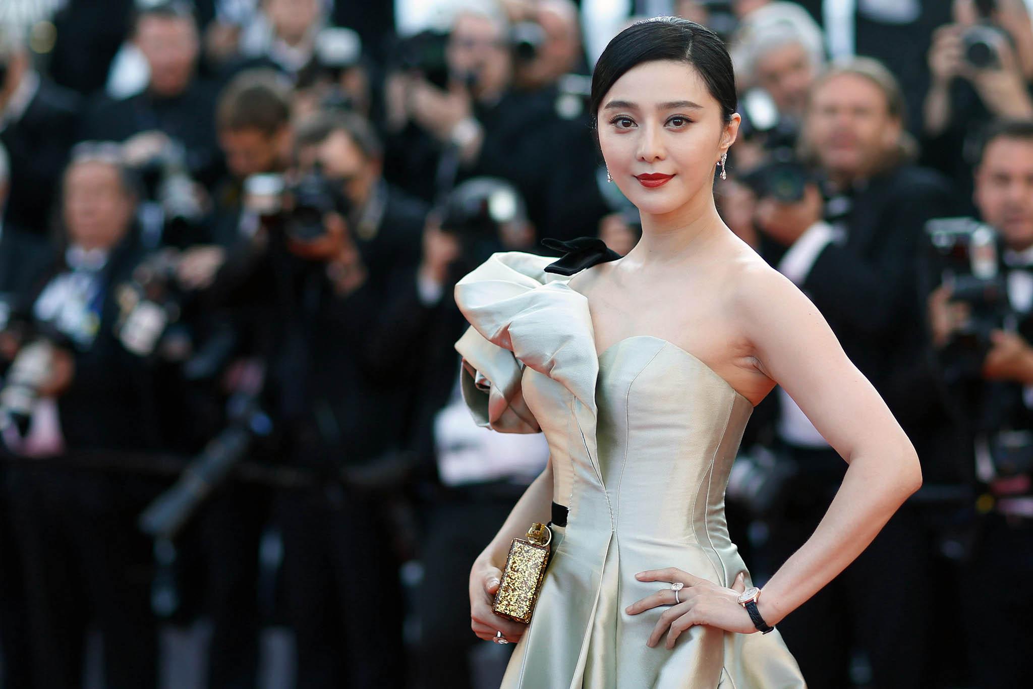 Evasão fiscal | Vedeta do cinema chinês multada em 110 milhões de euros