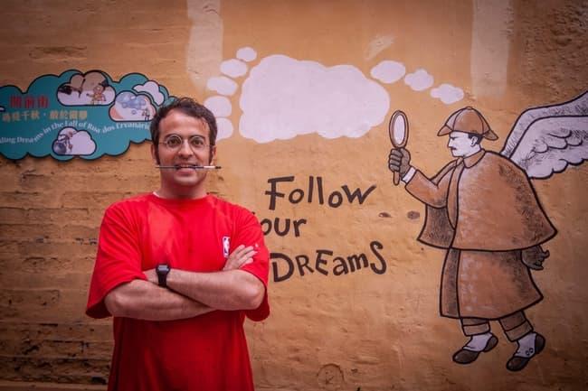 Arte urbana | Rodrigo de Matos desenha sonhos na Rua dos Ervanários